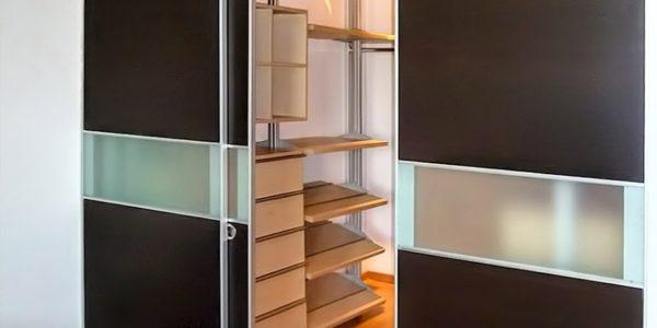Closet y puertas en madera en bogota