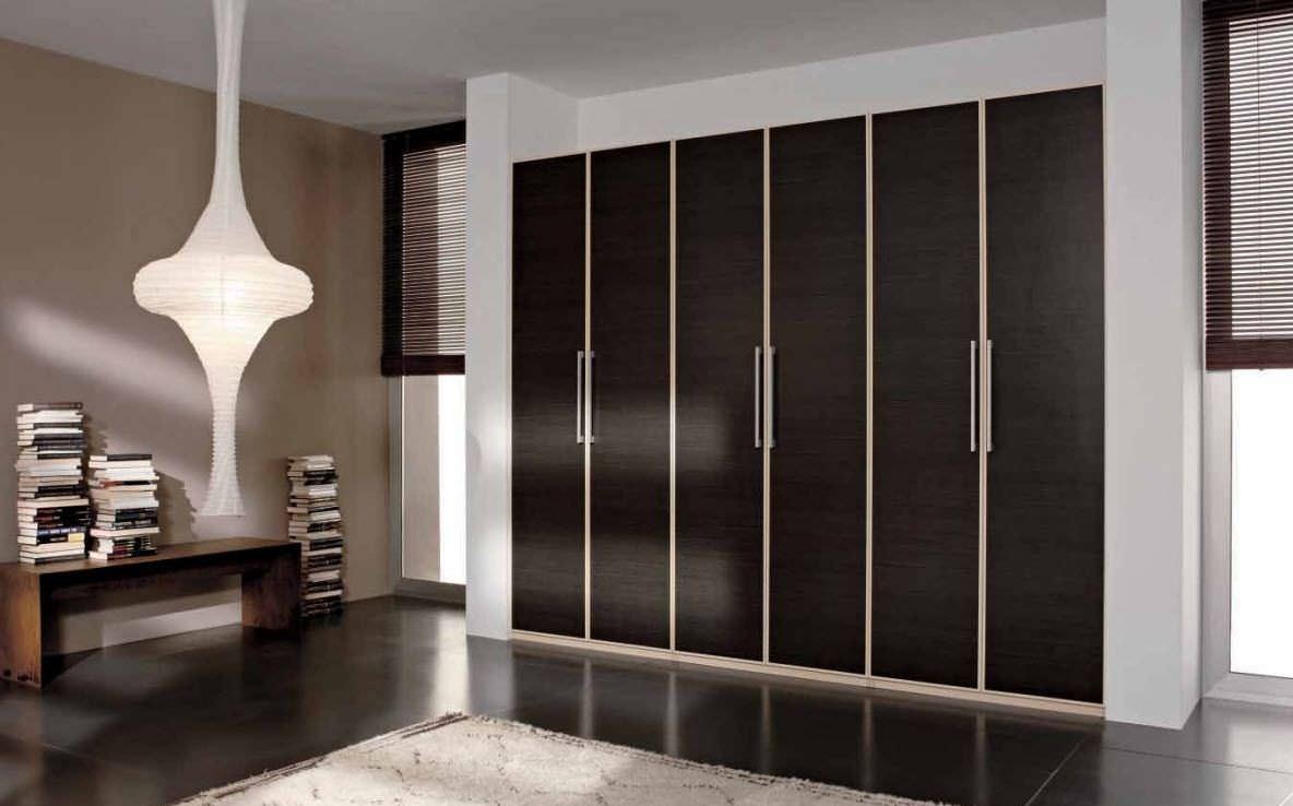 Closets puertas en madera acabados arquitect nicos for Puertas para closet minimalistas