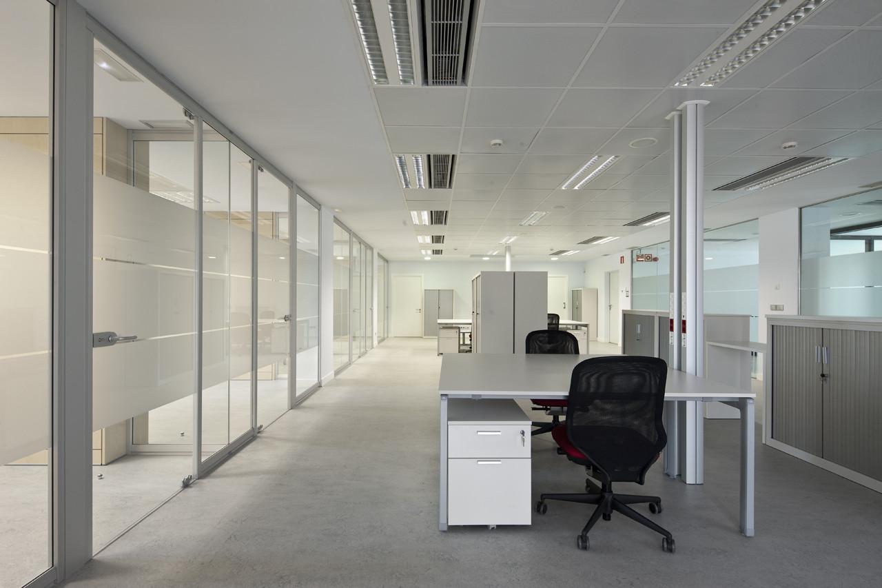 Divisi n proyectante acabados arquitect nicos dismagar wp for Espacios de oficina