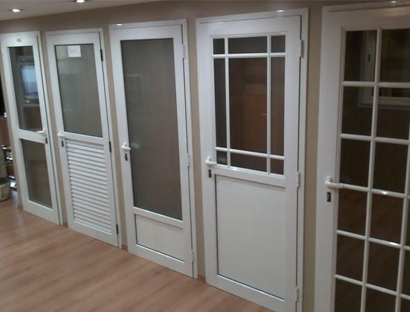 Ventaneria y puertas en aluminio acabados for Disenos de puertas de aluminio